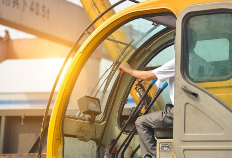 NR 11: Curso para Operadores de Empilhadeiras, Guindastes e Plataformas Elevatórias.
